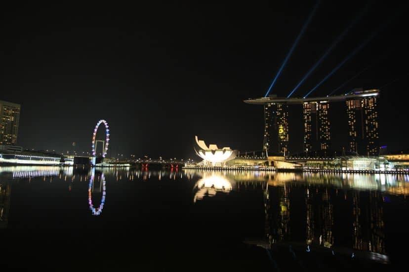 web mjesto za upoznavanje, Singapur