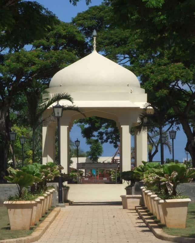forodhani gardens zanzibar