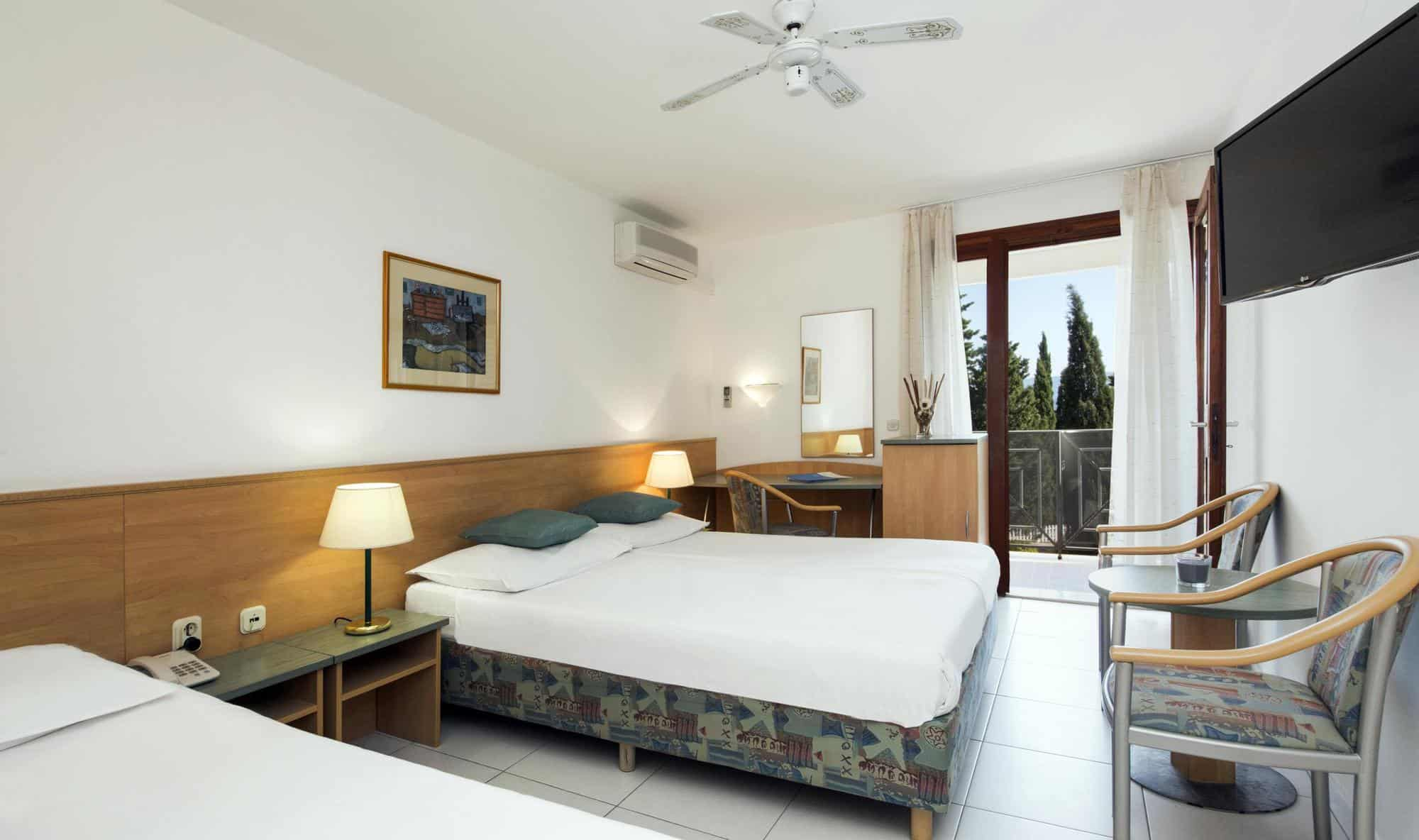 05 hotel bonaca superior double room 2