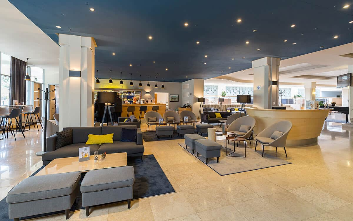 valamar diamant hotel lobby overview l