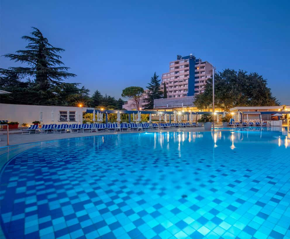 valamar diamant hotel pool overview m 1